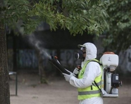 Пръскат срещу комари и кърлежи в Пловдив