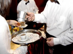 За летния сезон: Търсят готвачи, сервитьори и камериерки в Пловдив