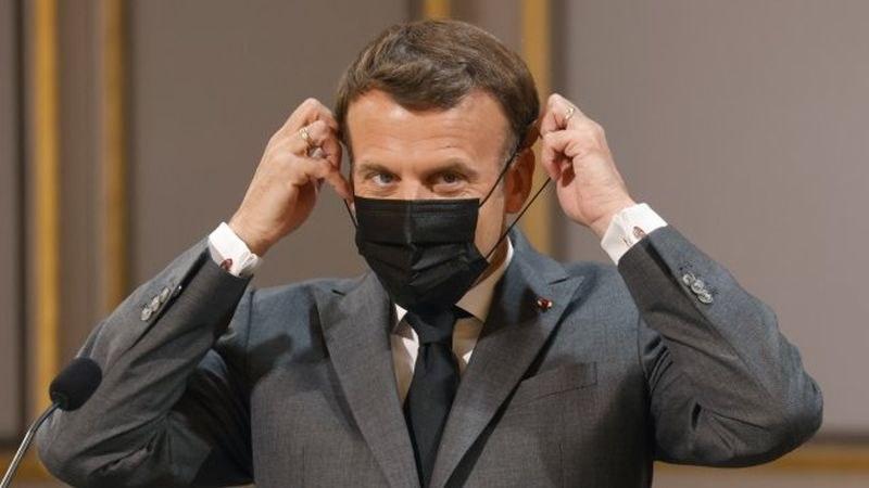 Франция сваля маските на открито