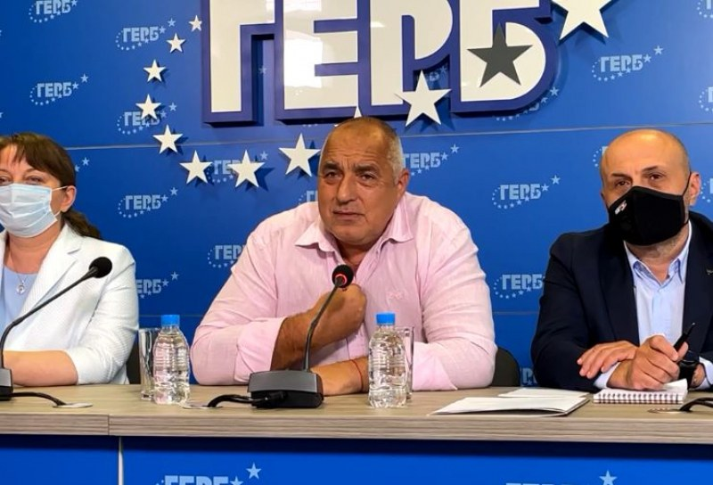 Борисов предупреди за масово затваряне през есента