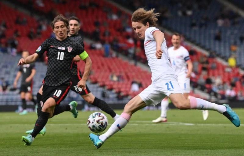 Чехия измъкна равенство с Хърватия и е близо до осминафиналите