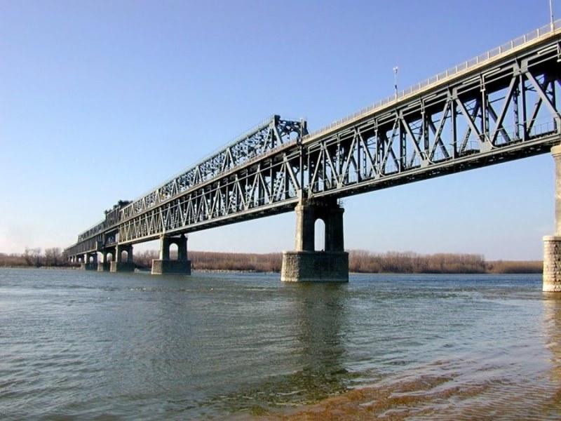 На този ден: Открит е Дунав мост