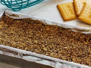 Идея за десерт без печене: Освежаваща торта с бисквити и банани
