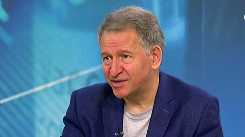 Кацаров: Нов пик може да има още през лятото, може и въобще да няма