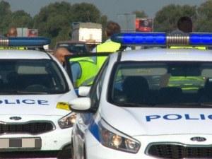 Масирани проверки на полицията по пътищата, спират на случаен принцип