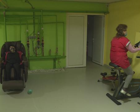 Глад за шивачки у нас – фирми примамват служители с масажи и фитнес уреди