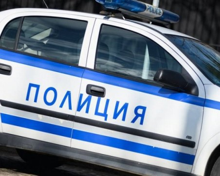 Младо момиче падна от деветия етаж от блок в София