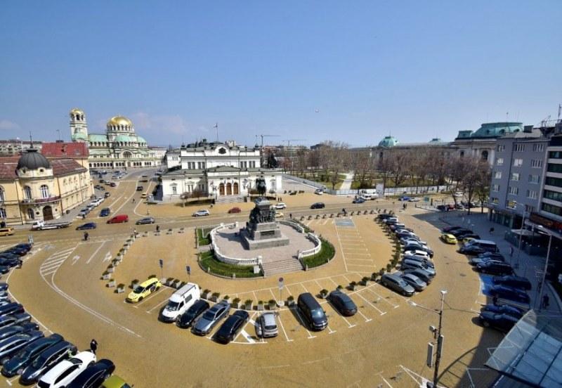 Обсъждат дали да оставят само 50 паркоместа за депутатите