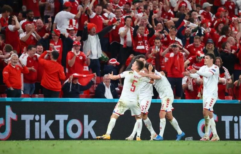 Страхотна Дания подчини Русия и ще играе на осминафиналите на Евро 2020