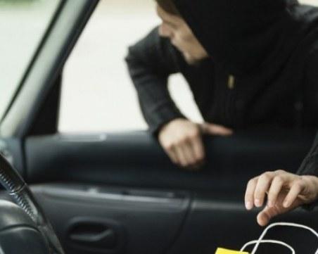 Автоджамбази разбиха две коли в Столипиново