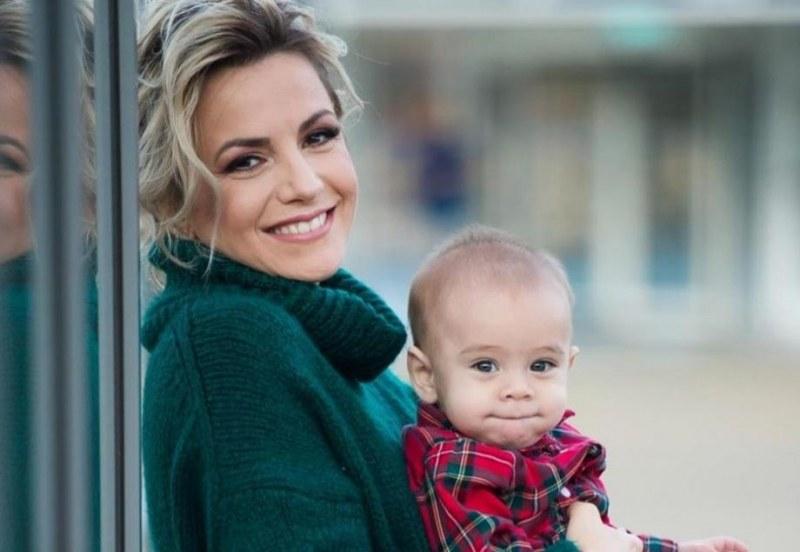 Поли Генова сюрпризира аудиторията си, ще става майка за втори път