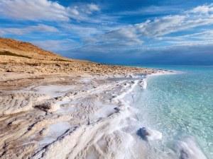 Учени намериха в Мъртво море минерал, откриван досега само в метеорити