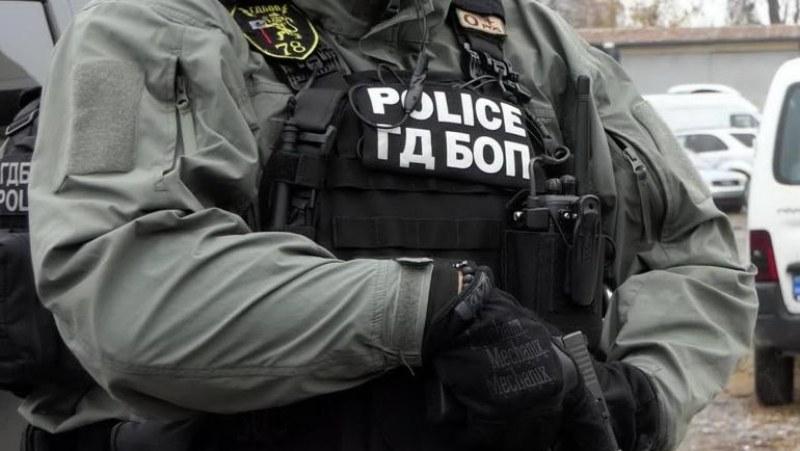 Софтуер хвана предполагаем атентатор във Варна, непълнолетен готвел да запали храм