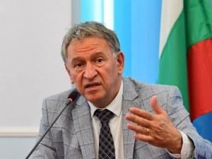 Здравният министър: Не е изключена нова вълна на COVID през лятото