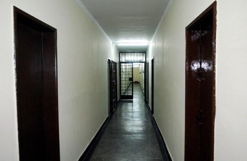 """Затворник се обеси в санитарното помещение към общежитията в """"Казичене"""""""