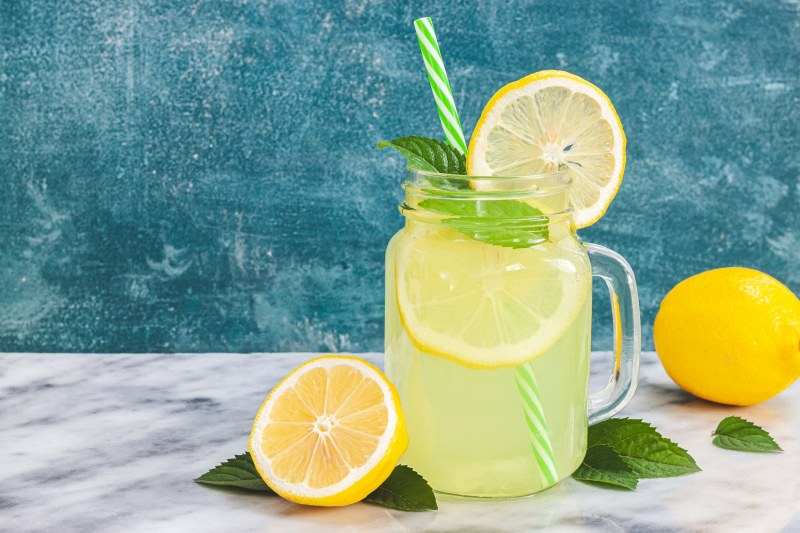 Домашна лимонада - елексир за наслада в горещите дни