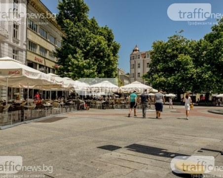 Четирима са припаднали заради високите температури в Пловдив днес