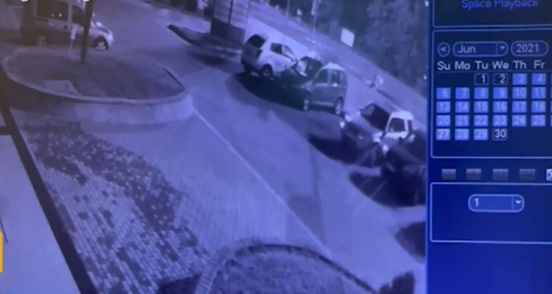 Мъжът, наръгал 17-годишното момиче в Бургас, имал конфликт с брат ѝ