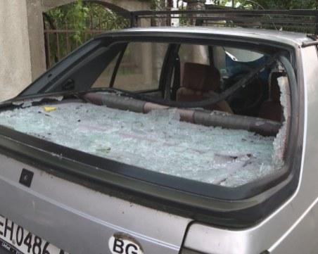 Градушката в Червен бряг е падала със 100 км/час, над 500 коли с щети