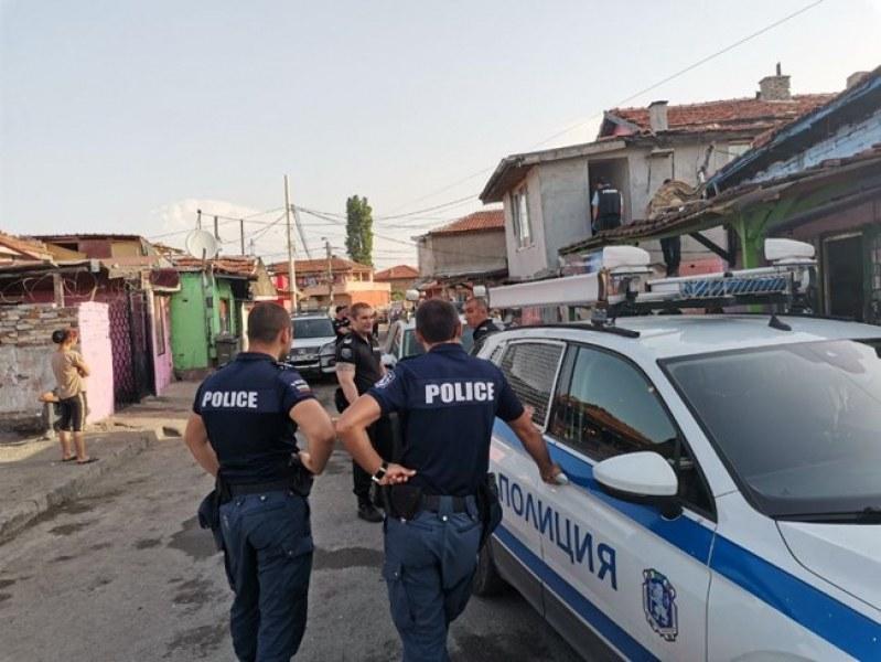 Сред задържаните за купуване на гласове в Бургас има и полицай