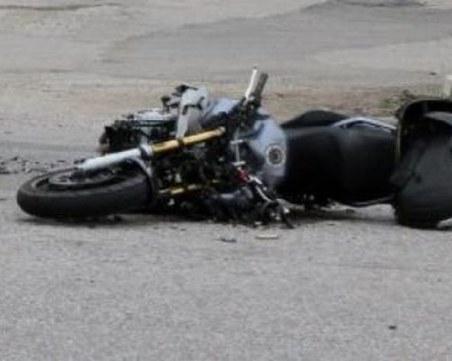 Моторист е с комоцио след катастрофа с автобус на пътя Русе-Разград