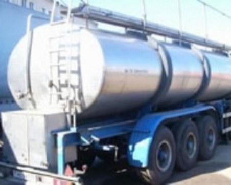 Шофьор пострада при сблъсък с цистерна край Търново