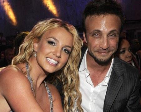Мениджърът на Бритни Спиърс прекрати договора си с поп певицата след дългогодишно партньорство