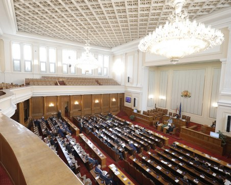 Колко депутати ще вкарат партиите и възможно ли е правителство?