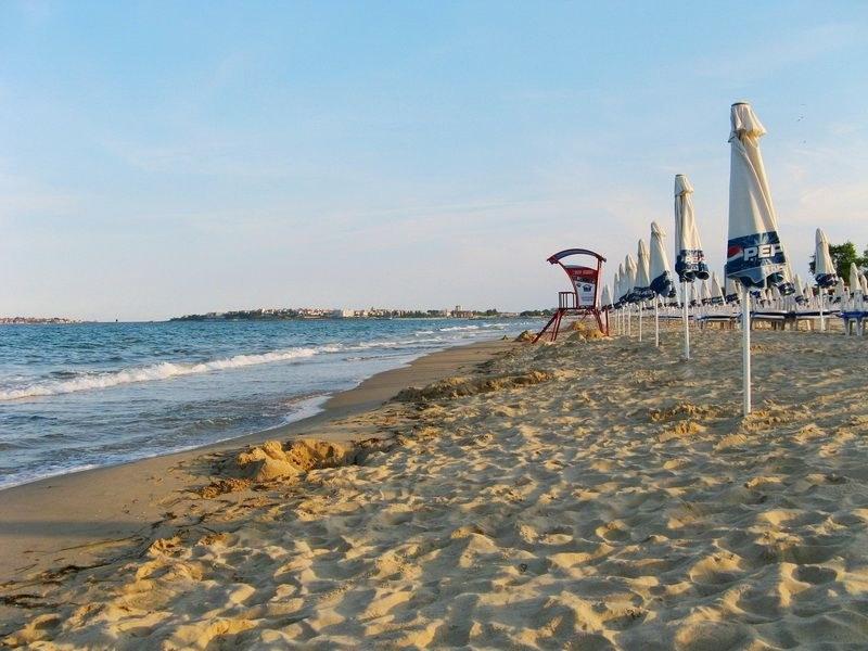 Заплашиха жена от Пловдив с пистолет на плажа за 20 лв.