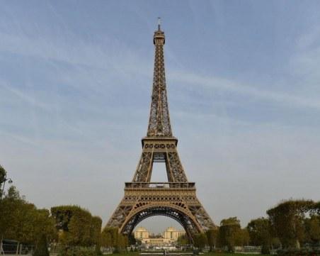 Айфеловата кула отново отваря врати