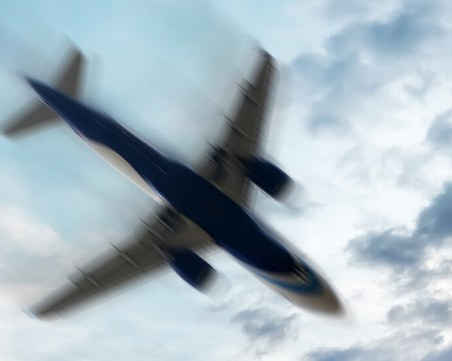 Трима души загинаха при самолетна катастрофа в Германия