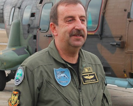 Почина бригаден генерал Стефан Петров от 24-та авиационна база Крумово