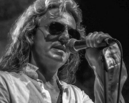 Един от най-прочутите гръцки рок певци и музиканти Джордж Гакис с концерт в Капана