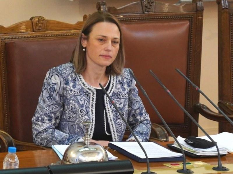 Очаквано! Ива Митева е новият стар председател на Народното събрание