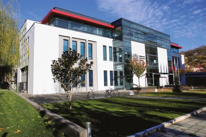 МУ-Пловдив и ПУ получават статут на изследователски университети