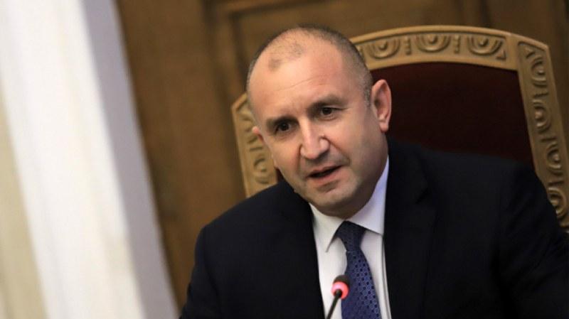 Президентът обяви, че няма да бърза с връчването на първия проучвателен мандат