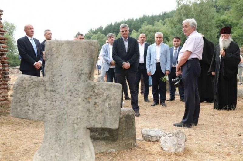 Стефан Янев посети Пирдоп на днешния празник на града
