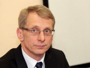 Николай Денков: Бъдещето на учебната година зависи кога ще дойде новата вълна на коронавирус