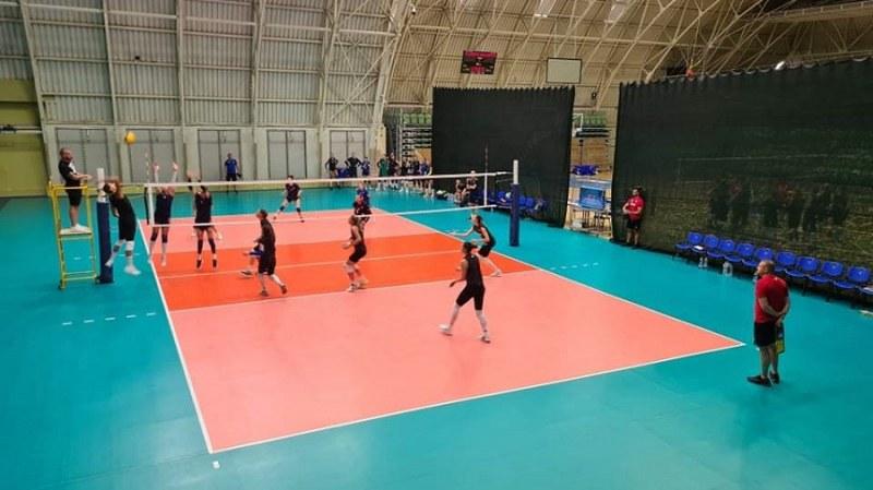 Волейболните националки с две победи в първите си контроли преди Европейското