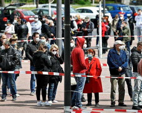 Обмислят рестрикции за неваксинирани в Германия