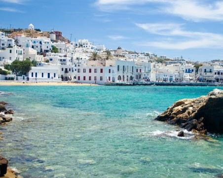 Отменят полицейския час на остров Миконос