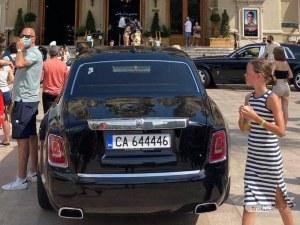 Ролс-ройс със софийска регистрация паркира пред казино в Монако