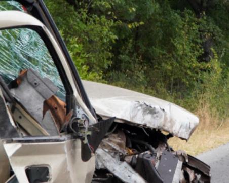 Три жертви след челен удар на пътя край Чирпан