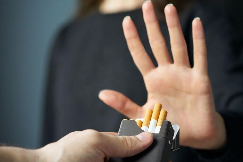 Пушачите с рак на белите дробове удължават живота си с 2 години, ако откажат цигарите