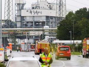 Пожарникари предотвратиха втора експлозия в завода в Германия, жертвите вече са две