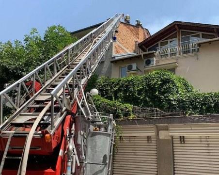 Евакуираха жилищна сграда в центъра на Пловдив заради пожар