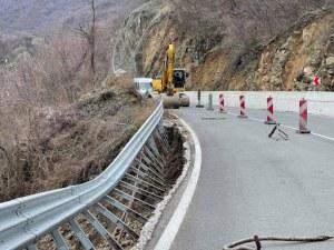 Пловдивчанин падна от подпорна стена, докато се опитва да спре колата си