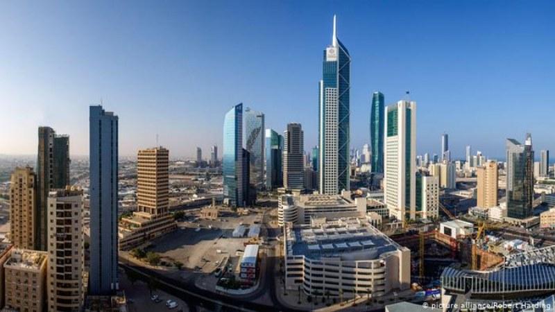 Забраняват на неваксинираните в Кувейт да пътуват в чужбина