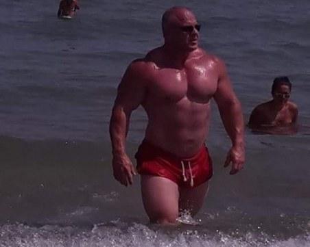 Бопаджии атакуваха бившия стриптийз бар на Димо Флорината в Слънчев бряг, има задържани