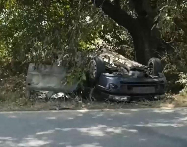 Още една тежка катастрофа край Братаница – две коли се удариха челно, едната изгоря до основи